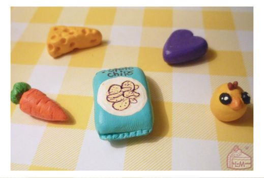 Miniature random foods and objects by Annortha