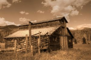 Betty Dick's Barn by djohn9