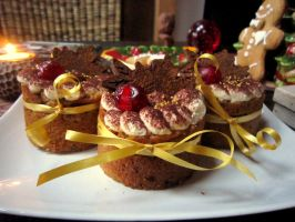 little chestnut cakes with caramel and chocolate by JlndRmll
