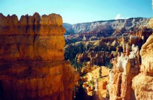 Bryce Canyon by Wildphoenix22