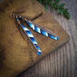 jay feather earrings by szaranagayama