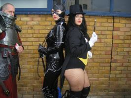 Catwoman and Zatanna LFCC 2011 by Nerdpowers