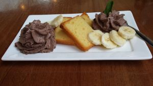 Vanilla cake with bananas and chocolate mouse by roxan1930