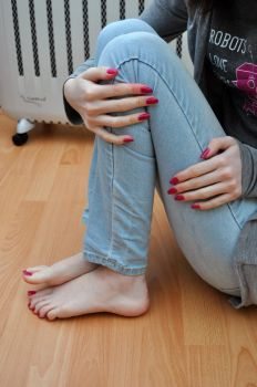 Cute Jeans and Bare Feet by Foxy-Feet