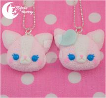 Lovely cat Pendant by CuteMoonbunny