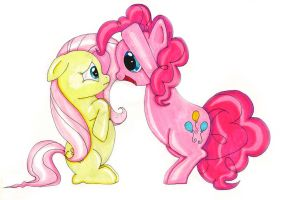 Fluttershy and Pinkie Pie by mxrshmellow