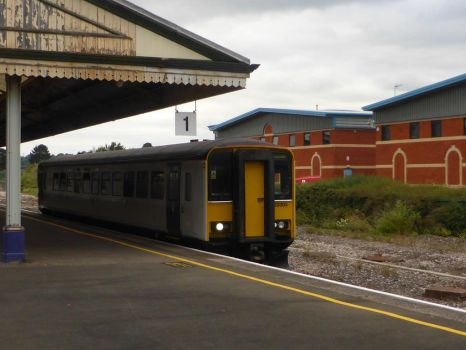 153305 at Newton Abbot by Torre7