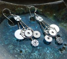 UFO gearrings by AMechanicalMind