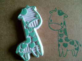 heart giraffe - rubber stamp by dunkleLamm