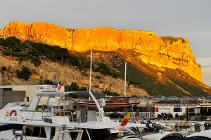 Golden sunset 1 - Cassis by wildplaces