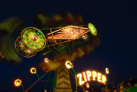 The Zipper in motion by Stephchantastic