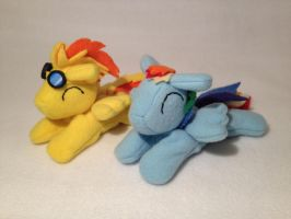 Spitfire + Rainbow Dash beanies by Bewareofkitty