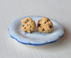 Cookie studs by Madizzo