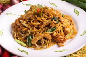chicken fried noodle by okzneverbetheless