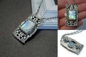 Rainbow Moonstone Necklace by Gweyeni