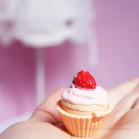 Cupcake by Schnitzelyne