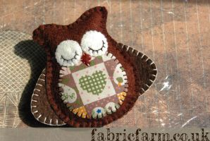 Wool Felt Brown Owl Brooch by fabricfarm
