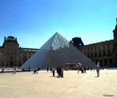 Louvre Paris by flohannes