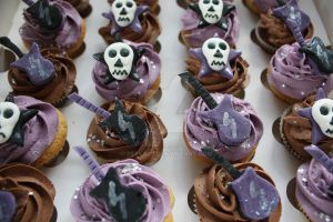 Mini Metal Themed Cupcakes by peeka85