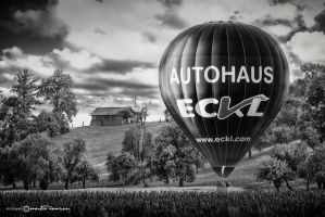 Backyard Baloon by artofphotograhy