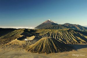 Bromo Mountain by hirza