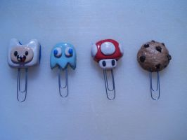 Paper clip book marks by GuyBellington753