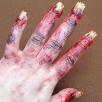 zombie hand/nails by ScarahScrewdriveR