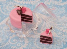 Pretty in Pink Cake by DeliciousTrickery