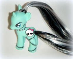 Freaky Fusion: Monster High/My Little Pony by kalavista