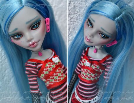 Commission - MH Ghoulia repaint - 01 by prettyinplastic