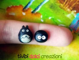 Totoro stud earrings by tivibi