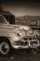 Decrepit Car by sciph