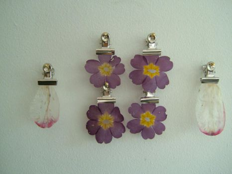 Clipped Flowers by lucylucy