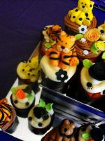 Big Cat Themed Birthday Cake and Cupcake Tier by cakecrumbs