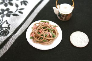 miniature lo mein by star--crossed