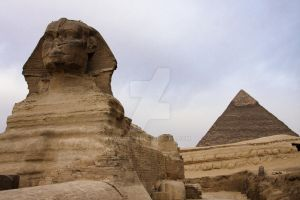 Sphinx and pyramid by WorldII