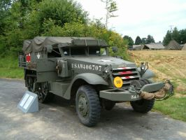F halftrack ambulance by kanyiko