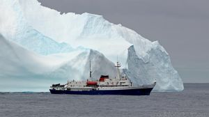 Antarctica :: 002 :: MV Ushuaia by greenjinjo