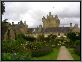 Cawdor Castle by nineblind