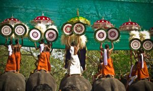 Thrissur Pooram by vishe777