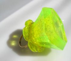 Neon Limeaide Bling Pop by pinkminx