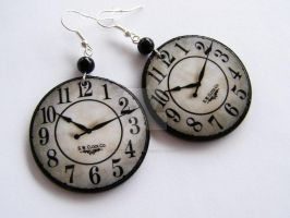 Clock Earrings - model no.1 by SamanthaBossy