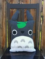 Totoro pillow by Telahmarie