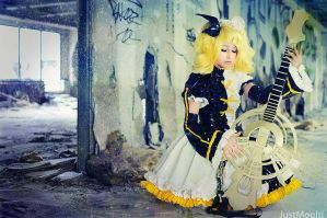 Vocaloid Rin cosplay by Kitana123