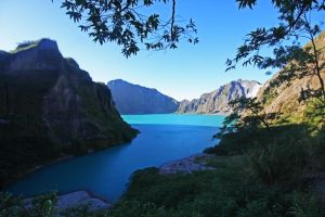 Mt Pinatubo by worldpitou