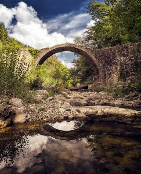 Background - old bridge - tuscany by 8moments