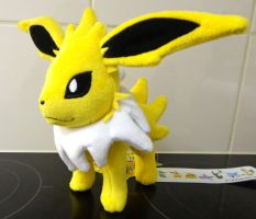 Jolteon 2012 Pokemon Center plush by Gallade007
