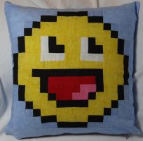 Smile Pillow by quiltoni