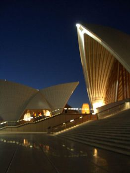Opera House by dragonflytime