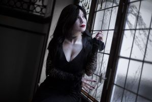 What a glorious evening - Morticia Addams cosplay by Voldiesama